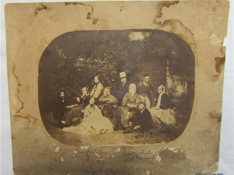 Foto di famiglia con Donna Margherita a sinistra a Cassolnovo, ante1865